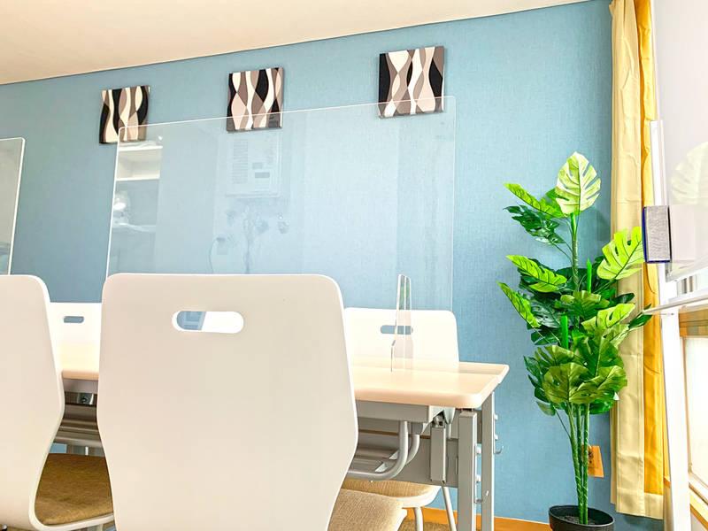 【JR蒲田駅徒歩2分】【NEWオープン特価!!】完全個室・次亜塩素酸空気清浄機・アクリル板設置!清潔な空間で会議・セミナーに最適(最大10人収容・適性人数8人)