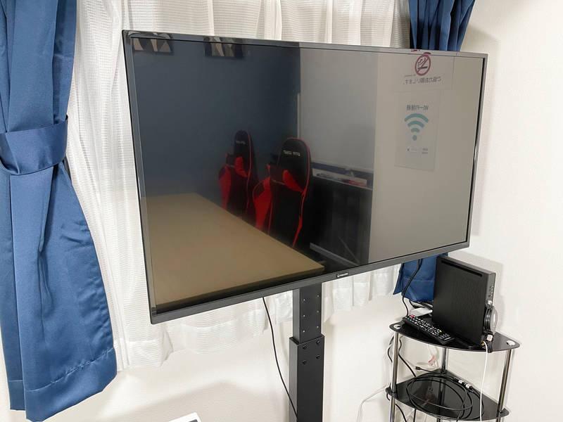 【新宿駅徒歩4分】完全個室・高速インターネットWi-Fiあり・アクリル板設置!清潔な空間で会議・セミナーに最適 女性のみでも安心してご利用いただけます!