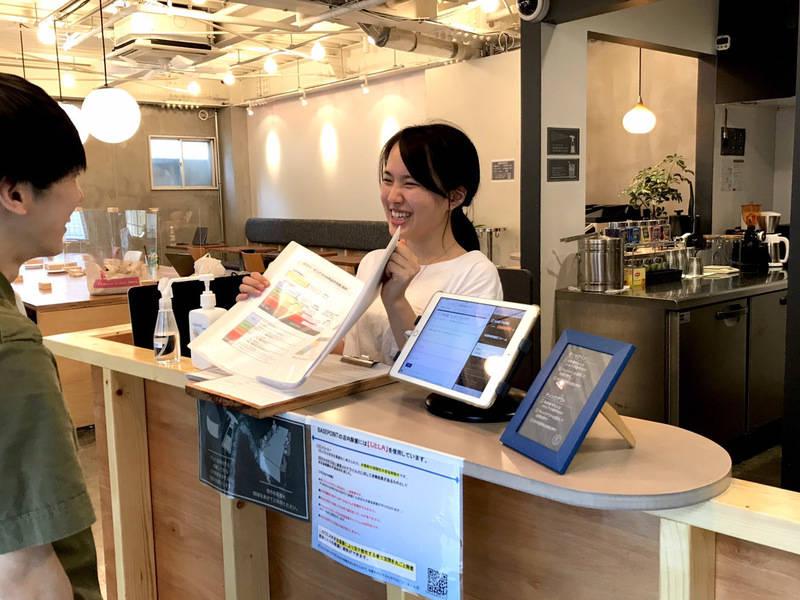 【スタッフ・利用毎除菌徹底】Caféの2階会議室(会議室1)有人受付、30分単位、Wifi、プロジェクター有り