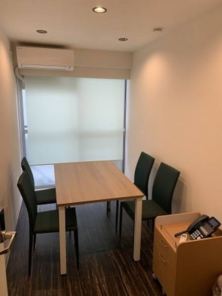 6号室(約8㎡の個室にコロナ対策の為、個室に1名限定)