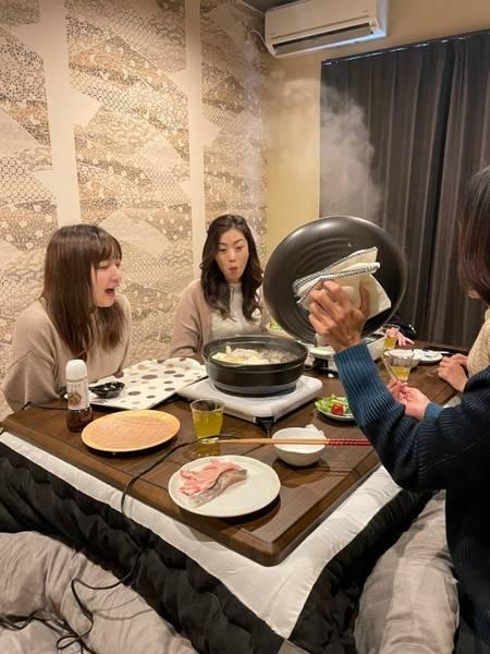 【完全個室♪】女子会、オフ会、グループのご利用に最適!テレワークにも!大きいテーブル付きの和室♪お鍋やホットプレートの貸し出しできます♪【清掃時除菌実施】