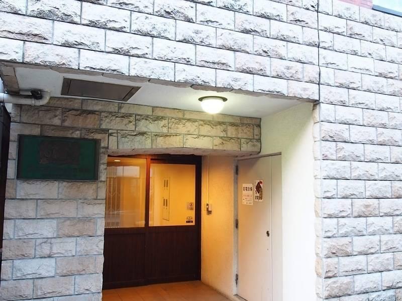 【法人利用多数】池袋駅東口徒歩5分、会議やテレワークに最適な喫煙可の会議室。24時間利用可。WiFiやプロジェクター無料。