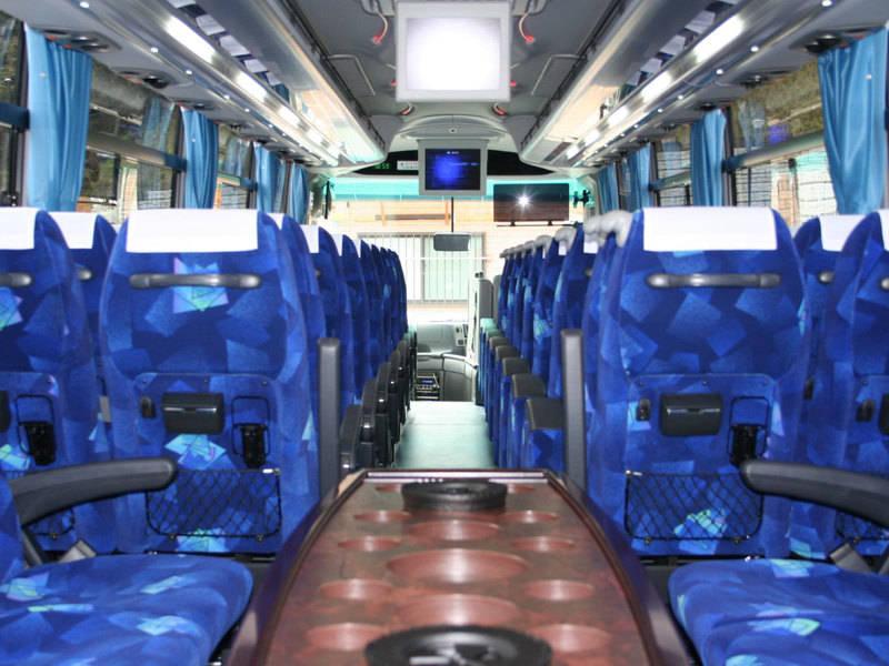 【新横浜】観光バス貸切プラン!テレワークはもちろん会議、商談など幅広い用途で利用可。コロナ対策済みで複数利用も可能。1人カラオケもOK(要事前確認)