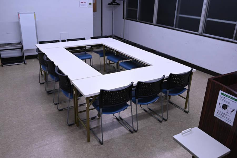 【池袋駅】アクセス良好!ケータリングもOKの会議室(18名)