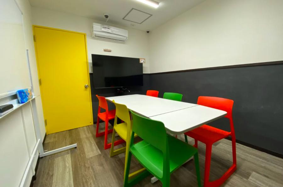 【毎日消毒安心の個室】03黄色部屋 仙台駅徒歩5分!17㎡の自由な空間!WSやリモートワーク