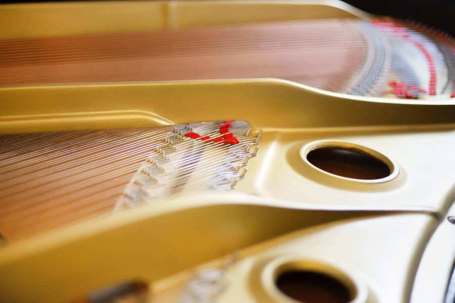 2020年11月Newオープン!YAMAHAの白いグランドピアノで撮影・練習・レッスンに!