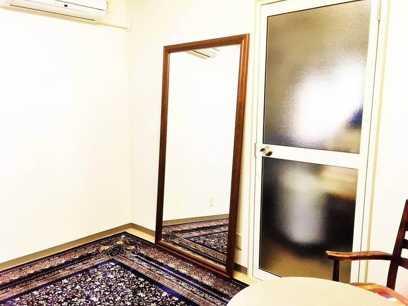 【渋谷から1駅】中目黒駅から徒歩5分、102会議室/24hOK 除菌で安心/静かな個室/メイク・作業・打ち合わせ・オンラインレッスン・テレワークに最適