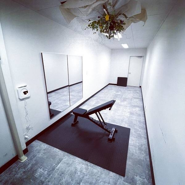 当日予約可能!設備充実のレンタルスペース。会議室、サロン等使い方多様!!
