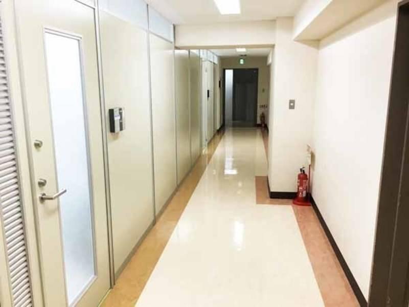 【千葉・18名・プロジェクターなど充実の無料設備】千葉駅前 RoomD