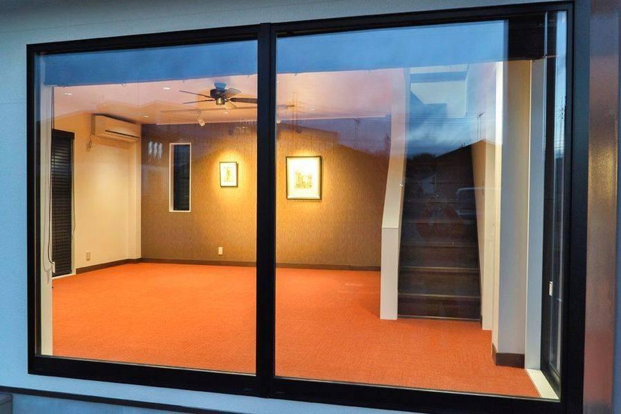 個人塾、セミナー、ギャラリースペース等に。西側窓には写真撮影にも対応した遮光カーテン付き!