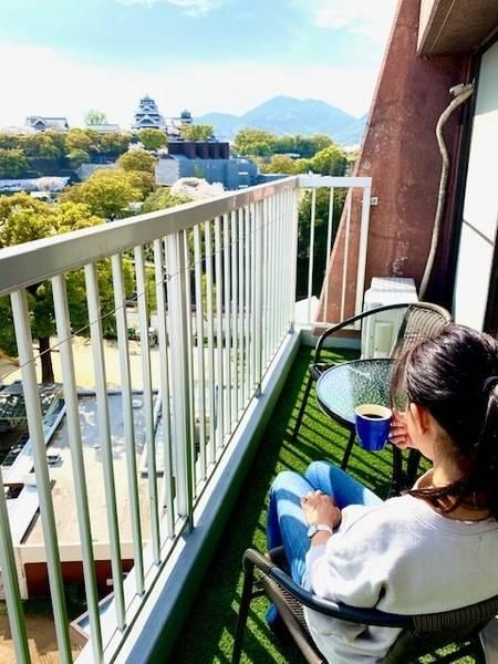 熊本城を一望できる絶景のプライベートスペース。会議や撮影会、DVD鑑賞などご自由にお使いください。通町筋駅から徒歩5分【レンタルスタジオBERRY上通並木坂店】