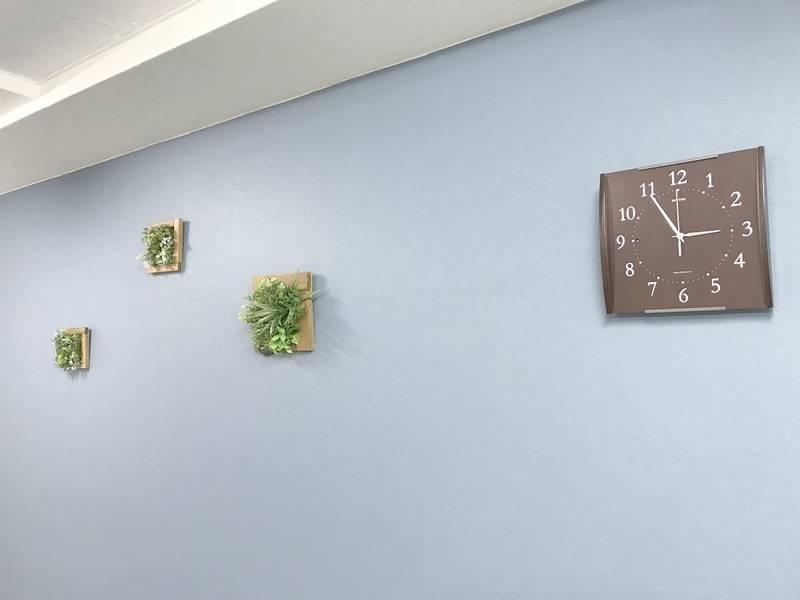 東新宿駅徒歩1分♪充実備品とゆったり快適スペース!モニター、プロジェクター設置 / 最大12名<コミノバ東新宿>