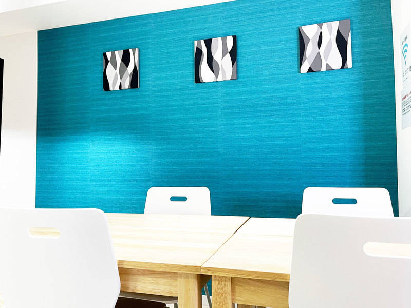 【札幌駅10秒】完全個室・Wi-Fiあり・アクリル板設置!清潔な空間で会議・動画撮影に最適 女性のみでも安心してご利用いただけます!GS貸会議室