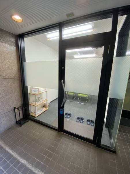 新規オープン価格!! 東山公園駅徒歩30秒!会議やテレワークに最適な貸会議室。24時間利用可。WiFiやホワイトボードなどオプション無料!
