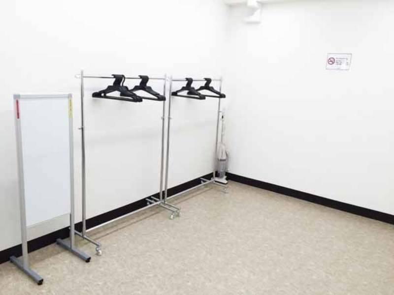 【池袋東口・18名・プロジェクターなど充実の無料設備】池袋Ⅲ RoomB