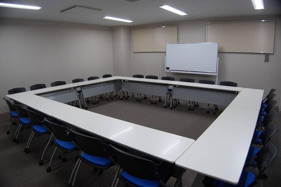 【備品貸出無料】【~25名】29年4月28日リニューアルオープン!綺麗で設備も揃った会議室を多用途にお使いくださいませ♪【上尾 さいたま 埼玉 大宮】
