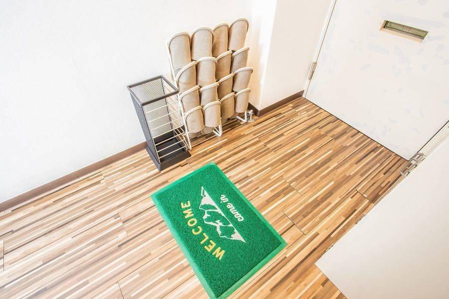 【五反田駅3分!8名利用可!】7/7オープン!綺麗な室内!WiFi・大型モニター・ホワイトボード全て無料!ふれあい貸し会議室 五反田A-ラヴァンド