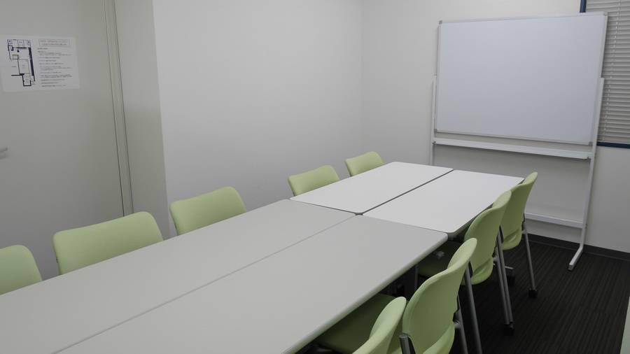 【池袋】駅チカ便利!かわいらしい温かみのある貸し会議室(8~10名)