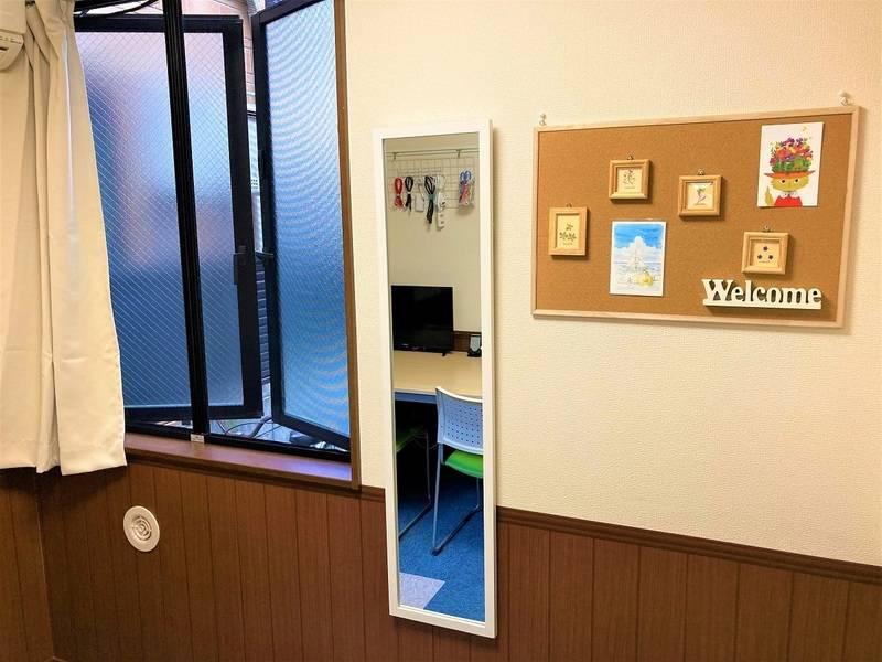 【清潔感が好評❗️】高速光Wi-Fi✨除菌グッズ✨完全個室✨Web面接/Web会議/テレワーク/作業場所/勉強会/女子会などに✨