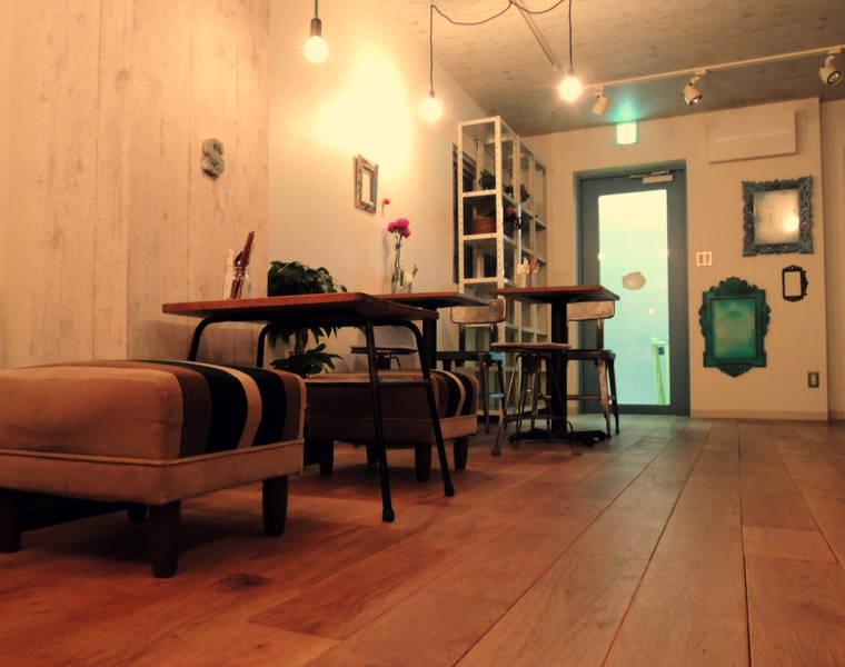 吉祥寺駅から3分!ライブもできる隠れ家Cafe「Sutekina」