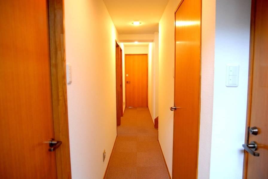 【飯田橋駅徒歩2分】24H・年中無休!落ち着いた雰囲気のアットホームな完全個室貸し会議室(8名)