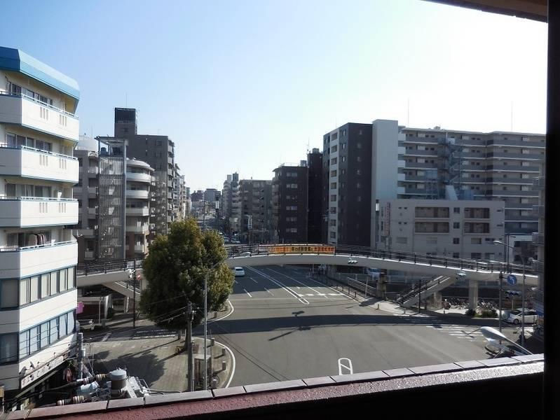 【横浜平沼レンタルスペース】完全個室でWiFi(有線LAN)無料 ☆★☆ 二人掛けソファーを完備し、長時間の使用でもおくつろぎいただけます!