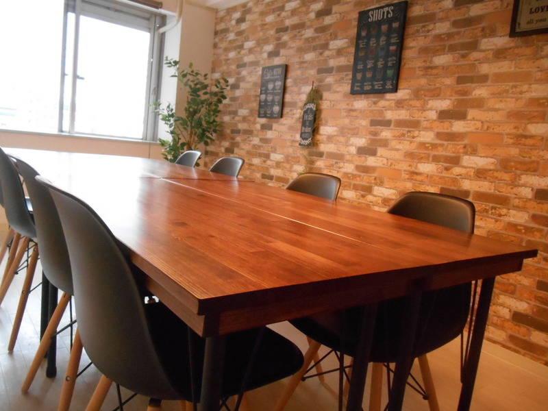 [キャラメルカフェ☕][新宿南口3分] サザンテラスデッキ直結 ブルックリンスタイル カフェ風スペース Wi-Fi無料