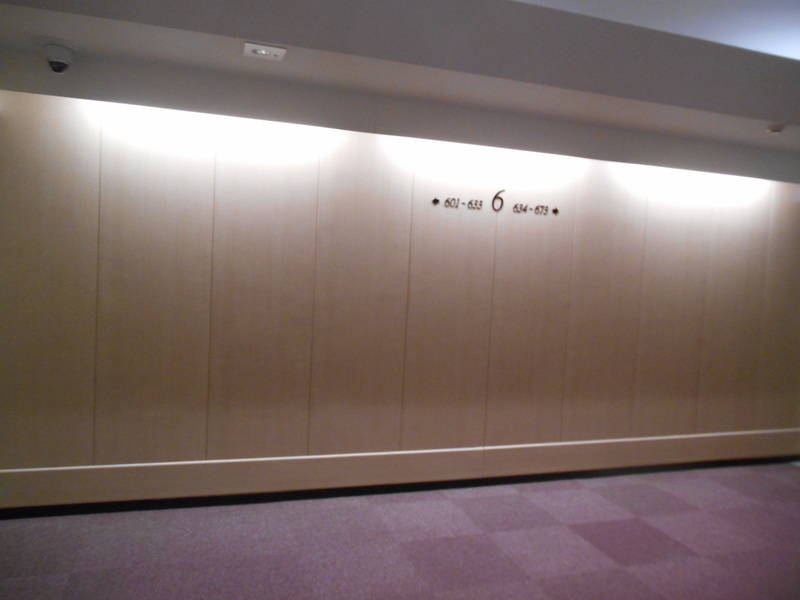 [新宿南口3分][キャラメルカフェ☕] サザンテラスデッキ直結 ブルックリンスタイル カフェ風スペース Wi-Fi無料