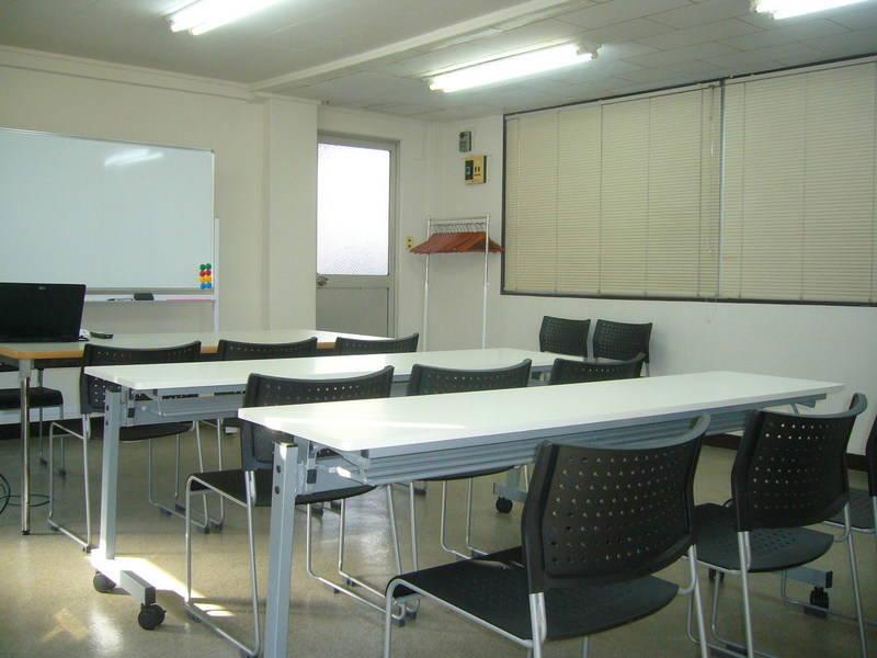 横浜駅徒歩7分 横浜西口レンタルスペース福冨,ゆったり会議室、変化する会議室