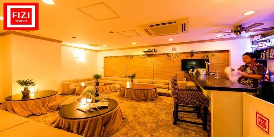 新宿駅すぐの隠れ家的リゾートCafe&Barを格安で貸切! 靴をぬいでリラックスした雰囲気でパーティできます 【平日[月~木] 夜18:00~23:00】