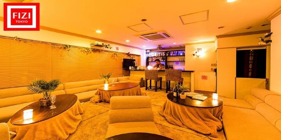 新宿駅すぐの隠れ家的リゾートCafe&Barを格安で貸切! 靴をぬいでリラックスした雰囲気でパーティできます 【休日[土・日・祝] 夜18:00~23:00】