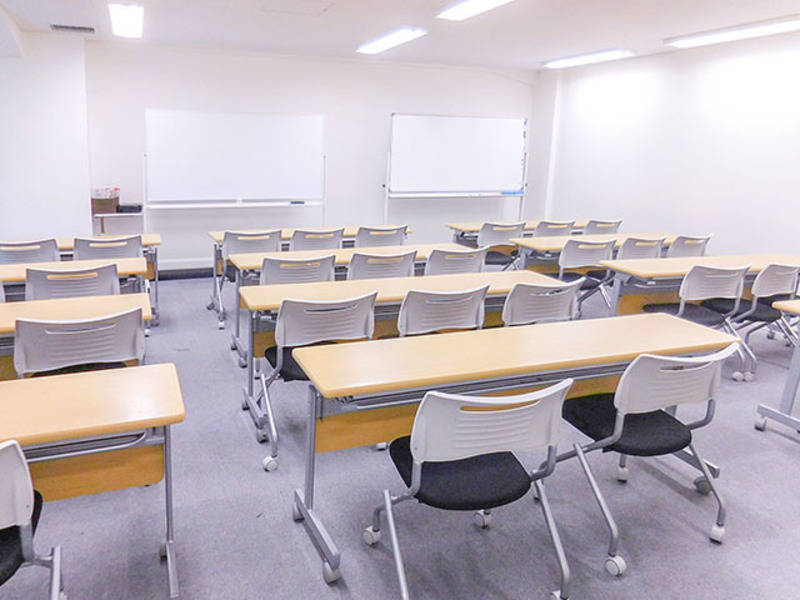 (A)無線LAN完備!プロジェクターセット無料!新宿三丁目徒歩1分☆(36名収容)A会議室(エスオ―ビズゲイツ)