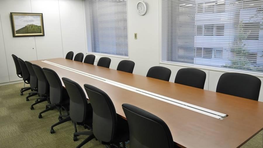 【高田馬場駅5分】小規模利用におすすめ!清潔感のある16名会議室
