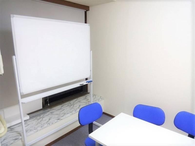 中野駅前 格安レンタルスペース Booth D