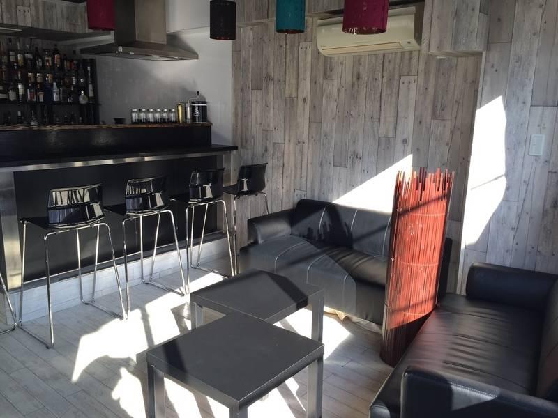 【中野】自然光豊かな明るい木目調のキッチン付スペース♪《即お返事いたします》