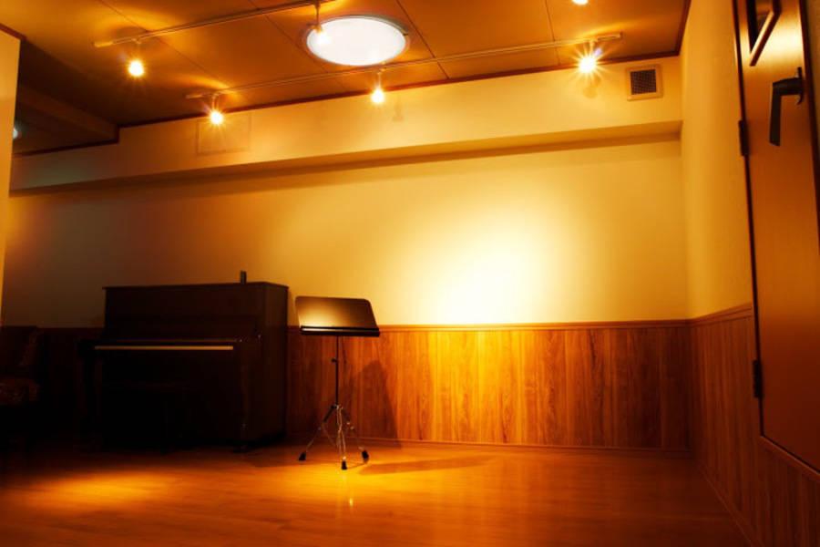 駅近の静かな防音室♪音楽、音声録音、会議などに最適。ふたこ音楽館。二子新地駅徒歩2分。二子玉川駅徒歩12分。