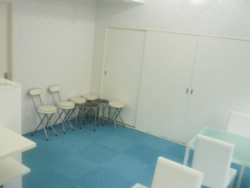 <まるでカフェ気分♪「DeLonghi」ドリップコーヒーマシン設置> 無料サービス充実!!キッチン付きスペース