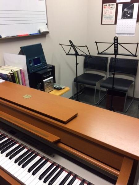 【自由が丘 徒歩3分】ミュージックアベニュー自由が丘 楽器練習室(13番ルーム)