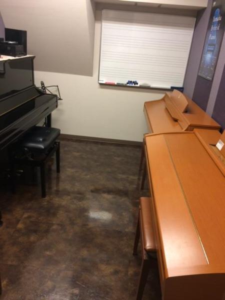 【自由が丘 徒歩3分】ミュージックアベニュー自由が丘 楽器練習室(10番ルーム)