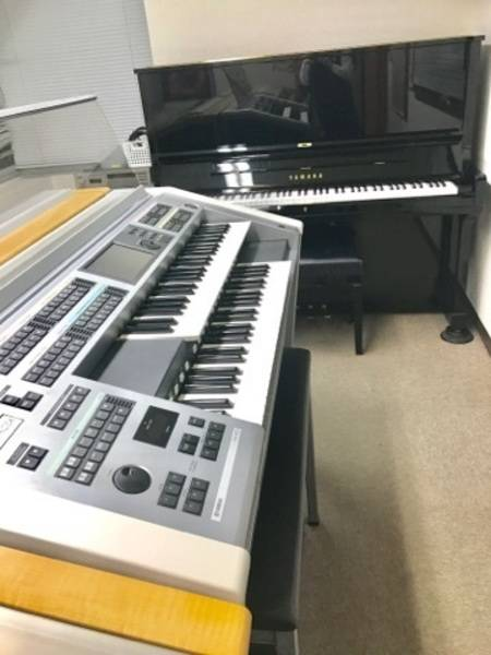 キャンペーン価格!【ヤマハ音楽教室】新宿三丁目駅徒歩0分 エレクトーンとアップライトピアノが弾ける部屋