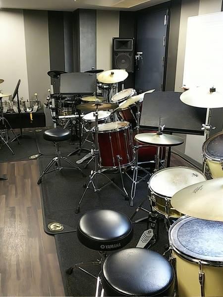 【渋谷駅徒歩7分】ヤマハの音楽練習室 ROOM15 ―手ぶらでドラムを思い切り叩こう!毎日の練習やストレス発散にも。~ご利用金額下げました!~
