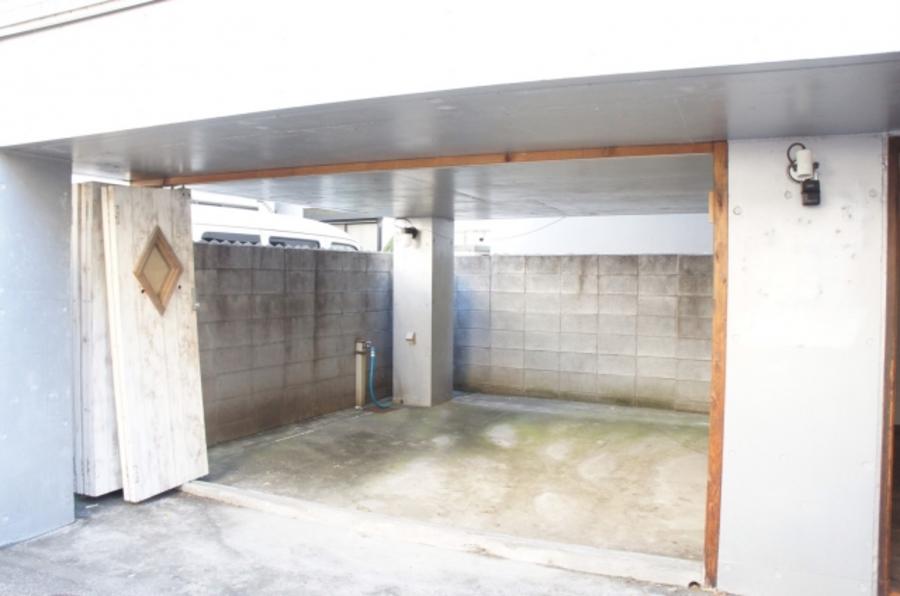 原宿レンタルスペース 神宮前 6-15-10 1F &2F(左&右)レンタルスペース&ガレージスペース