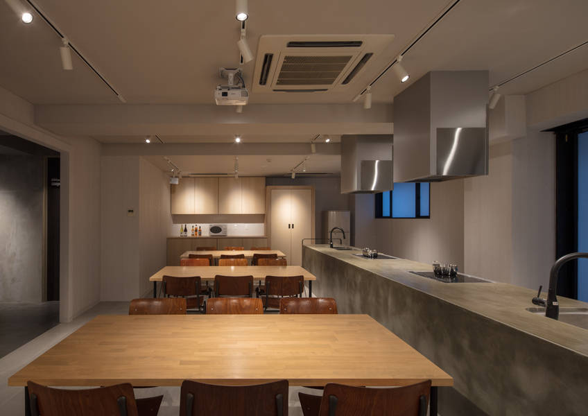 【近江町市場から徒歩2分】パーティー利用や料理教室利用に。広々シェアキッチンスペース EMBLEM STAY KANAZAWA