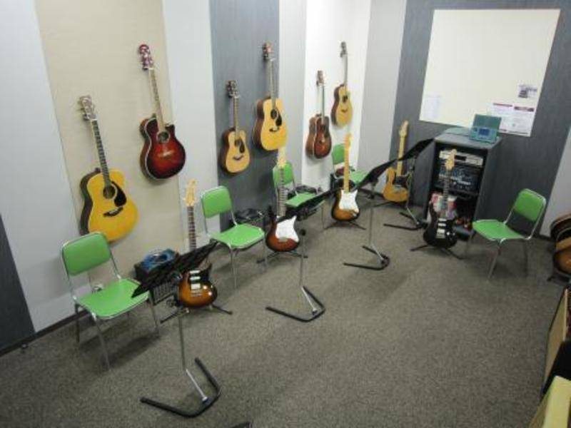 【池袋駅 徒歩3分】ヤマハの楽器練習室 ~エレキギターが弾ける部屋~