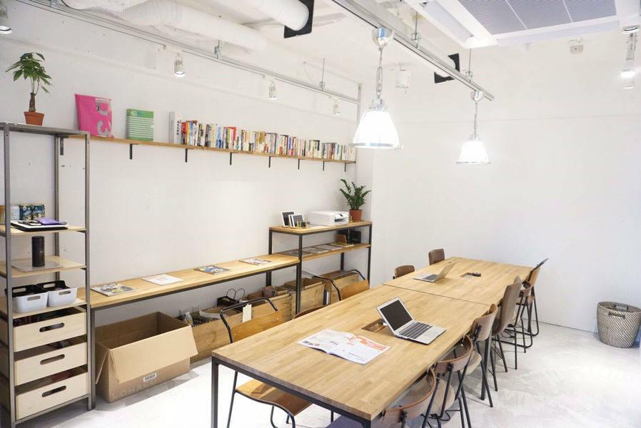 原宿地域最安クラス! 60分/1,500円〜 GOTODAYシェアサロン B-Lounge(完全個室)の写真