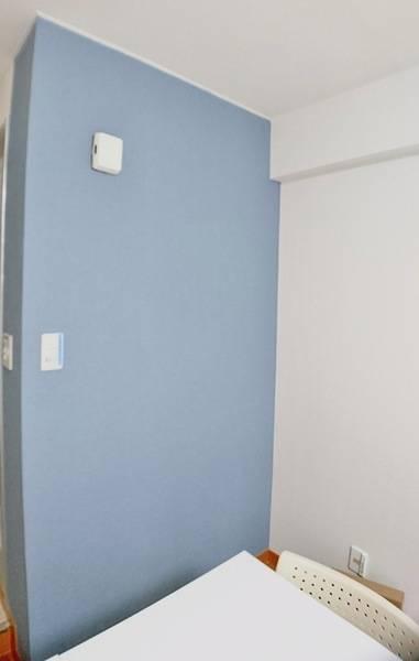【横浜きた西口4分】 横浜スクエア 最大10名利用可能で「安い」「綺麗」「静か」 な会議室です。お陰様で開始利用者150組達成しました。今後も利用者の皆様が快適にご利用いただけるよう常に改善に取り組みながらを運営していきます。設備はWIFI・プロジェクター・ホワイトボード有り!すべて無料でご利用いただけます。また、不定期キャンペーン価格もご提供致します。お気に入り登録・口コミ強化中。平日の日中はもちろん、平日夜や休日にも会議、商談、勉強会、セミナー、サークル活動等に是非ご利用下さい。