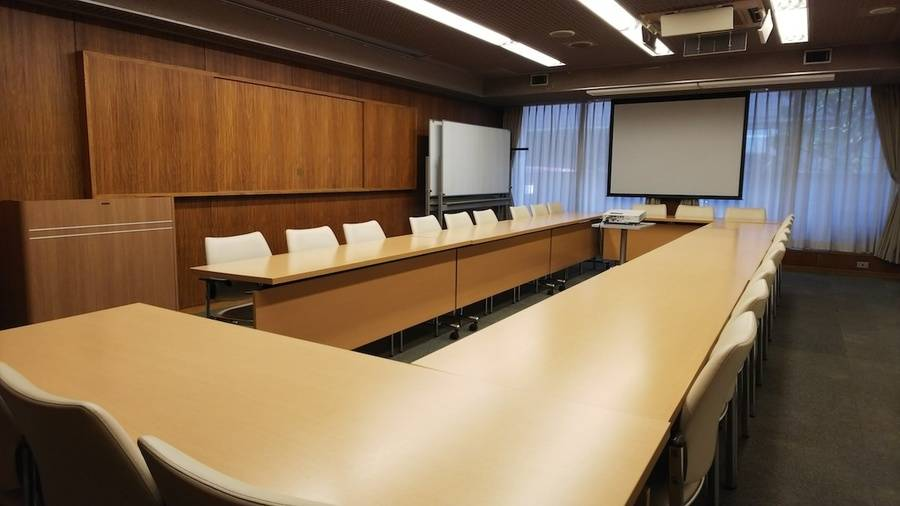 ルーテル市ヶ谷センター 第2会議室 午前の部(平日9:00-12:00)