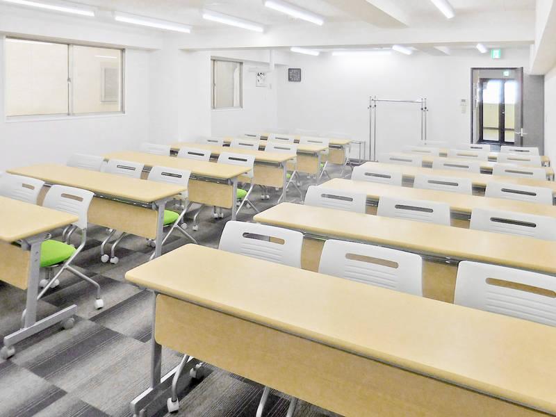 鶴見駅前(36名収容) 第三会議室