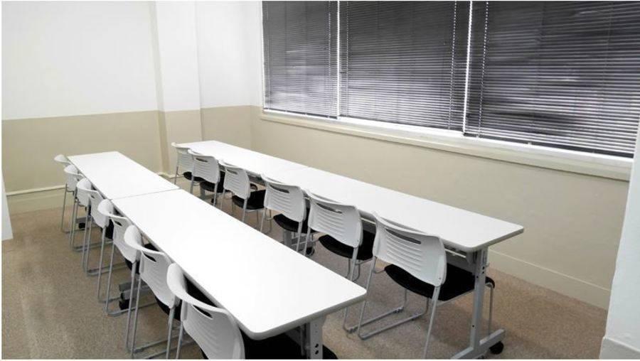 【飯田橋駅東口2分】24H・年中無休!清潔感のある完全個室貸し会議室(12名)