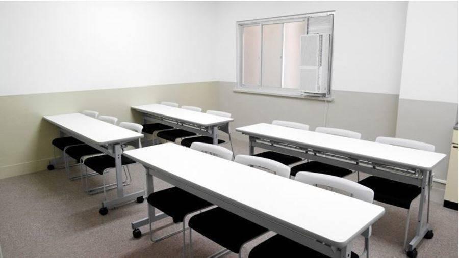 【飯田橋駅東口2分】24H・年中無休!落ち着いた完全個室貸し会議室(12名)